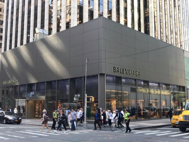 Take a look at Balenciaga's new nyc flagship - PRESS OCTOBER 20194URSPACE.COM