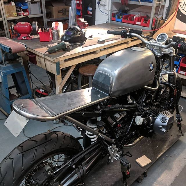 Just packed this #rninet off to @untitledmotorcycles to be finished by @adamkaylondon. We've built a #custom bolt on #subframe, license plate holder, mudguard and fitted the original fuel pump assembly into an R80 tank.