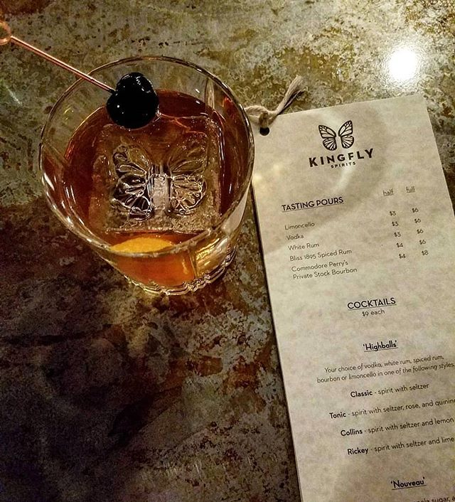 Hump day, am I right? . 📸 by @bubbles.please at @kingflyspirits