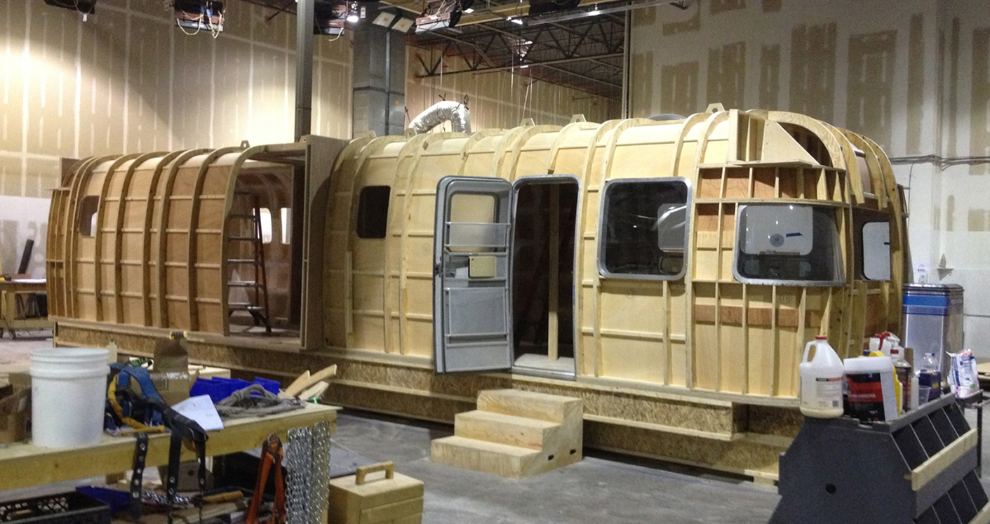 SIOBHAN'S TRAILER - SET CONSTRUCTION