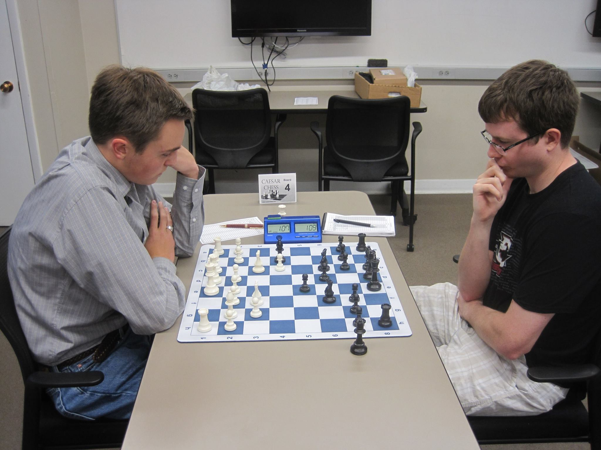 Flashback to 2016: Jonathan Rasberry (Left) Starts his Successful tournament against Chris Trees. Photo CRedit: Scott Varagona (2016)