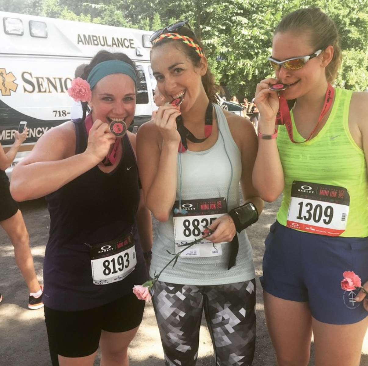 If running is a drug, these are two of my dealers, and the NYRR New York Mini 10K was my gateway drug.