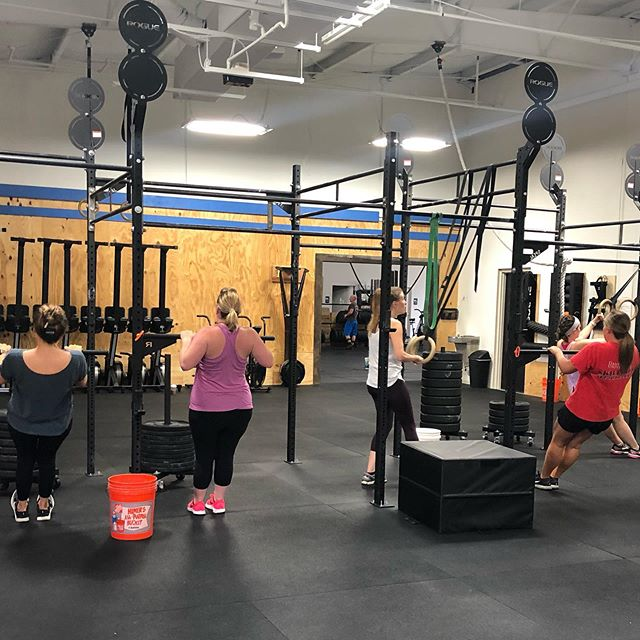 Excited to see these incredible women tonight! They did an amazing job with pull up Progressions on Monday...looking forward to front squats tonight 🤗. #bfgr #birthfitgrandrapids #grmi #grandrapids @crossfit616 #grmoms #westmichiganmoms #birthfit #fitness #nutrition #mindset #connection
