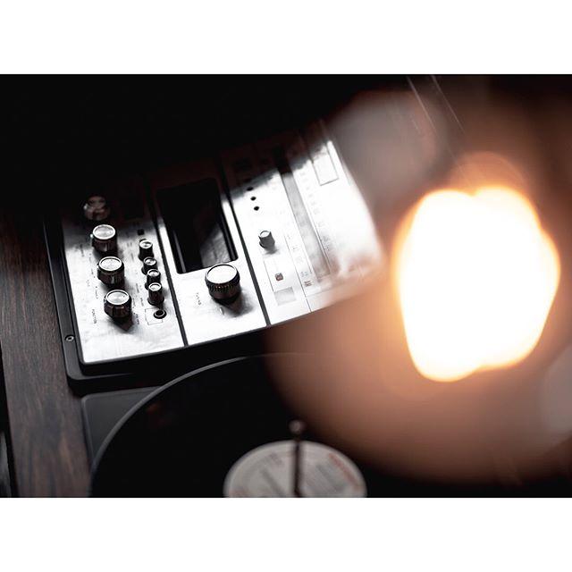 'Vinyl & Neon'... . . . . #vinyl #moodygrams #creartmood #creativemobs #imaginativeuniverse #igtones #thegraphicspr0ject #urbanphotography #darkmobs #cityphotography #edit_perfection #thevisualgods  #neonlights #theuniversalart #exploretocreat #blackandwhite #infiniteartdesing #best_visualz #neon #boardmag #apricotmagazine #n8zine #phroommagazine #dreamermagazine #nightphotography #theimaged #bokeh #retro