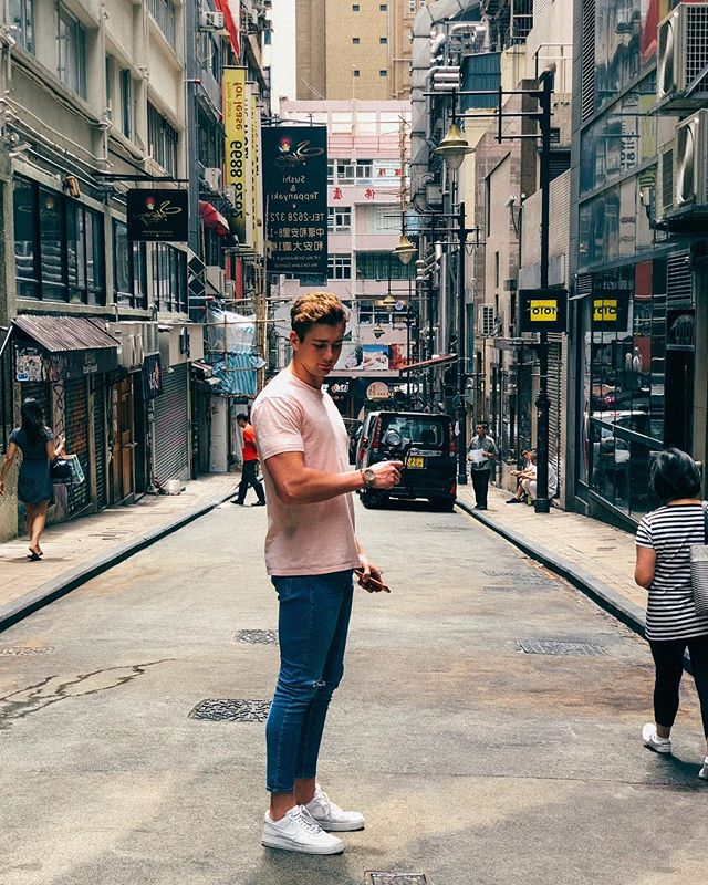 I didn't realise how tall I am until Kristian took this photo of me in Hong Kong 😂😂