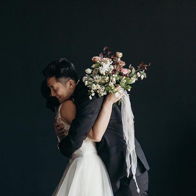 A little late but happy 1 year anniversary guysssss @cyunpark @richdeeke ♥️ — Photo/Video: @kapsuleco  Florals: @lambertfloralstudio  Venue: @hudsonloft  #kapsuleweddings