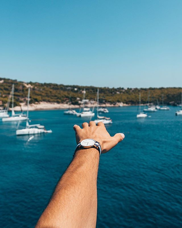 All about those blue tones 🌊⛵️⠀ ~~~~⠀ Edited with the #Croatia preset from the #Travel Preset Pack for #lightroom ⚓️🗺 Available both for mobile and desktop 💻📱⠀ ~~~~⠀ Link to shop in bio👆⠀ ~~~~⠀ Remember to tag your edits and #ollivvespresets to get featured on the feed and stories📸✨⠀ ~~~~⠀ #lrmobile #preset #mobilepreset #lightroommobile #lightroompresets #lightroomedits #lightroommasters