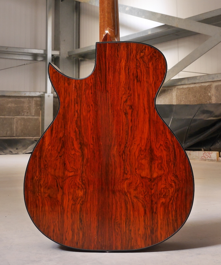 Tirga Beag with Mexican Rosewood