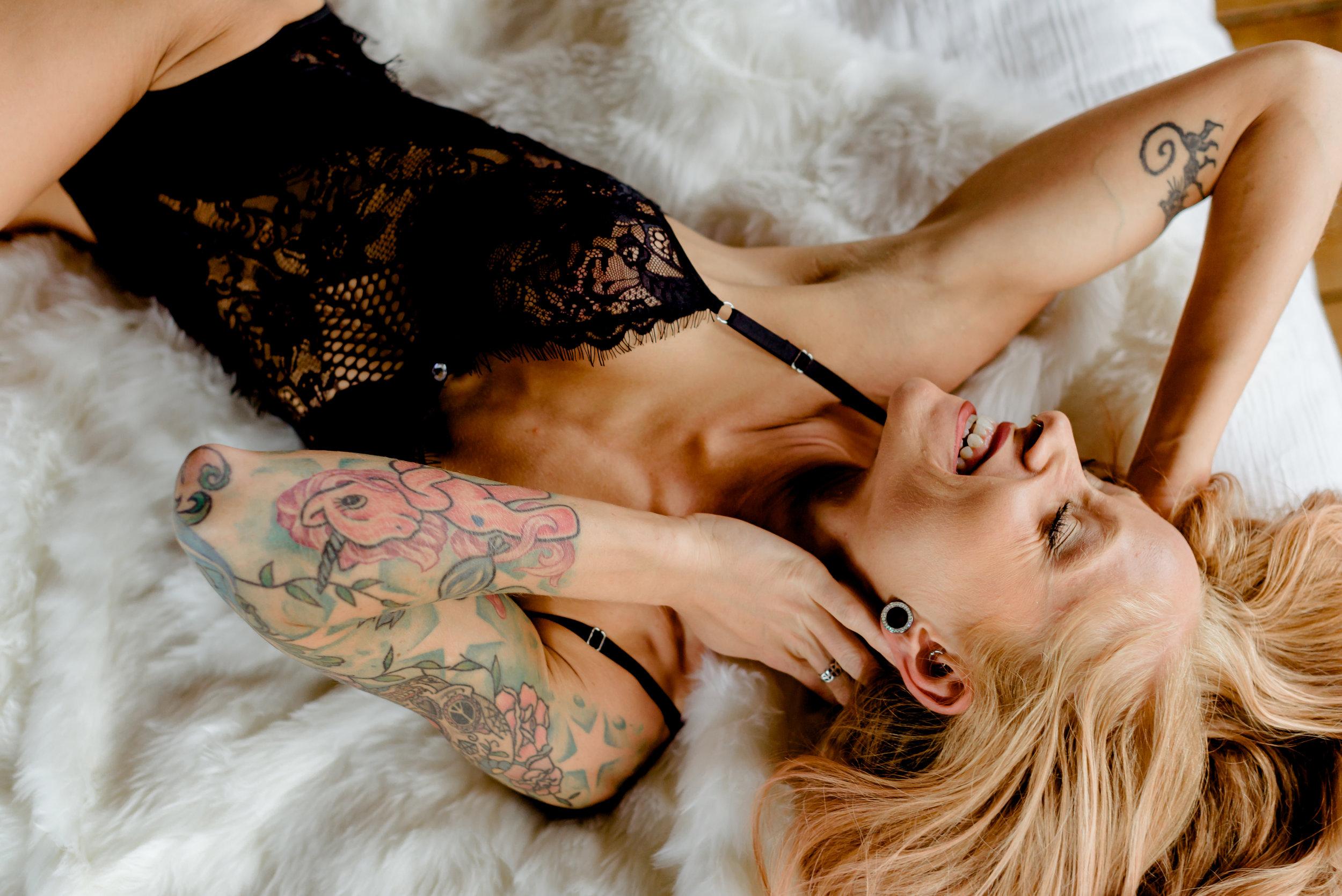 Chelsea boudoir mn-5.jpg