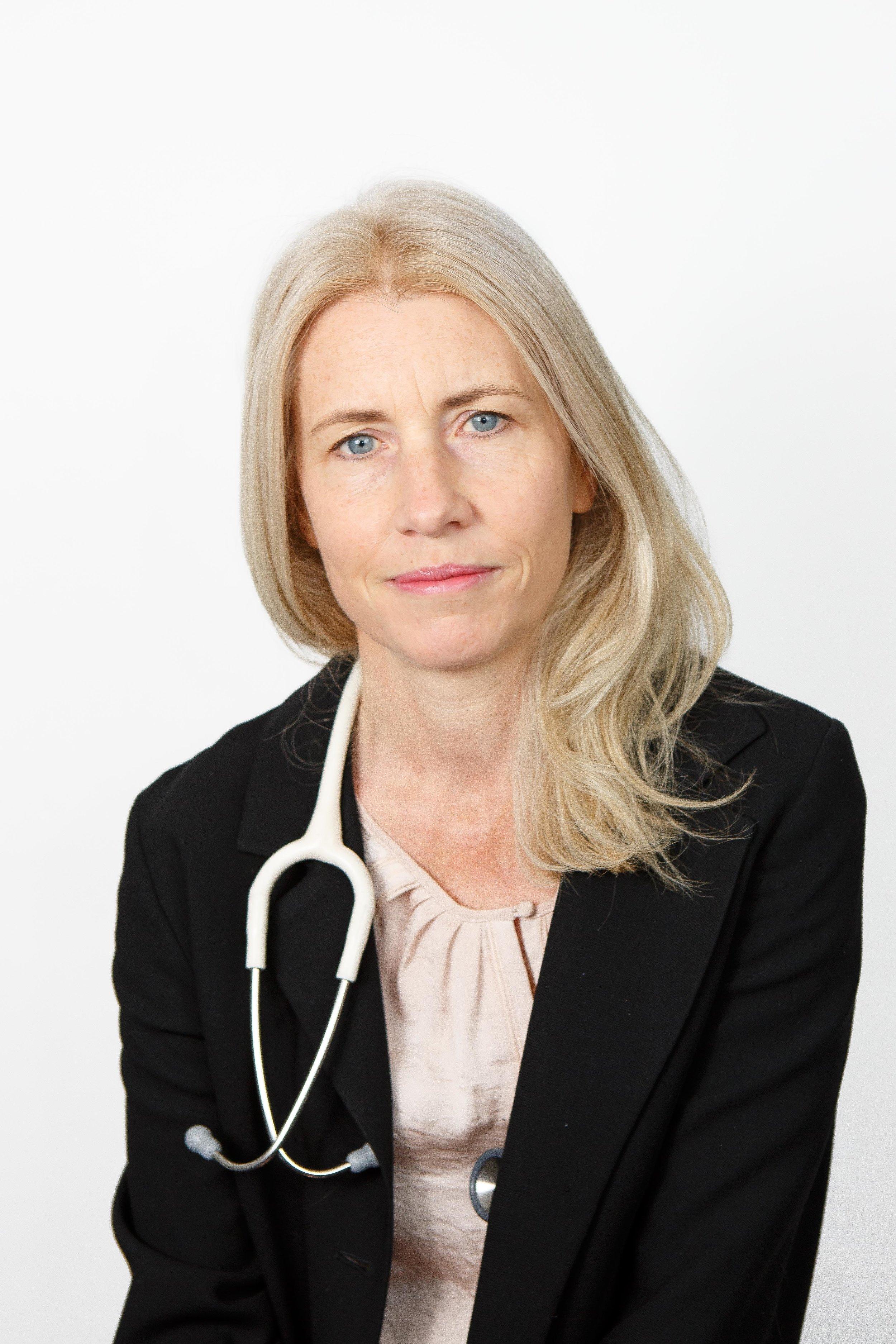 Dr Laura Quinton