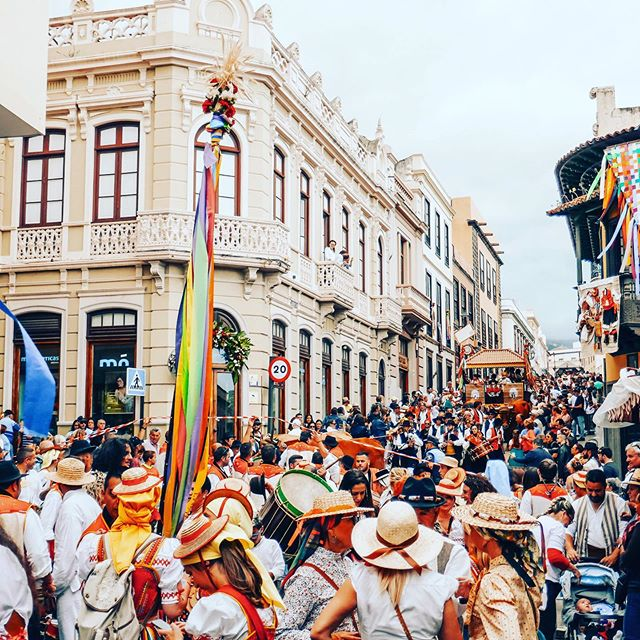 JUNE • is the month of endless festivals and celebrations in Tenerife. . If you haven't heard about Corpus Christi, you can read about it on our blog, but if you want to experience its beautiful madness - come join us this month! . . . #tenerife🌴 #laorotava #festival #festivalmonth #corpuschristi #corpuschristilaorotava #nochesdesanjuan