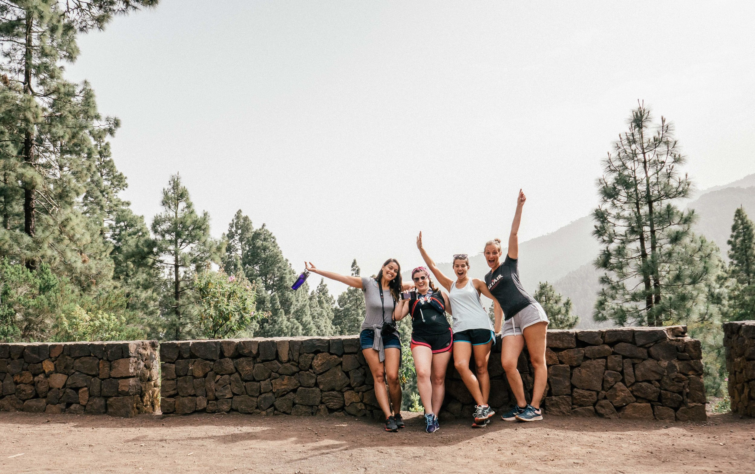 nine-coliving-hike-girls (1 of 1).jpg