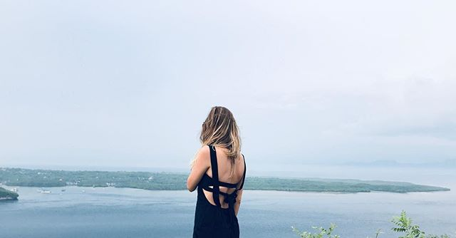 #nusapenida @batansabo 🍍#nusalembongan#batansabo#baliindonesia#cliffs#views#islandvibes