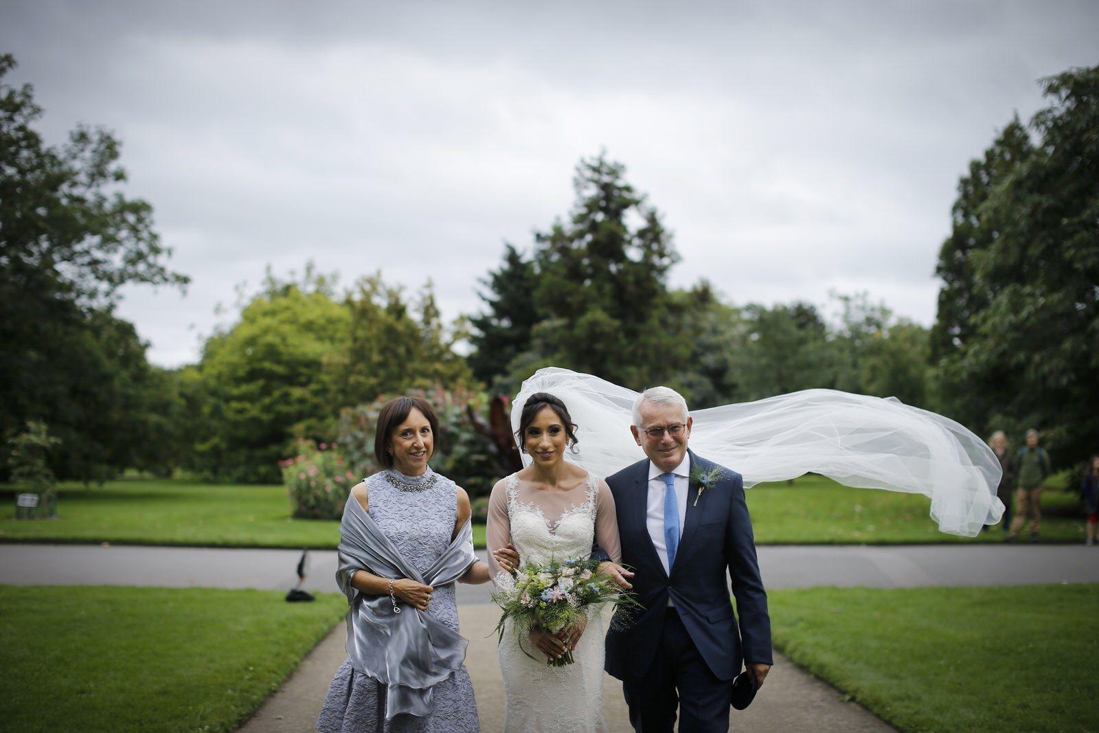 Brettharkness-kew-gardens-wedding_0012.jpg