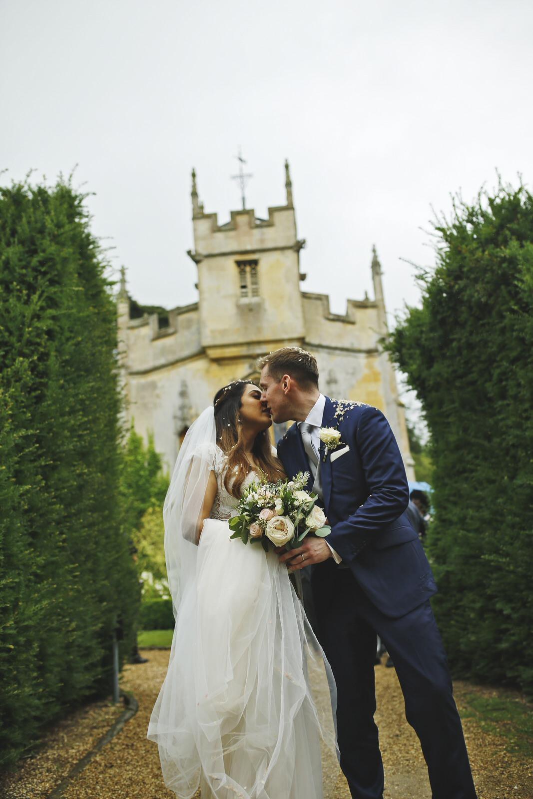 Brettharkness-sudeley-castle-wedding-photographer_0020.jpg