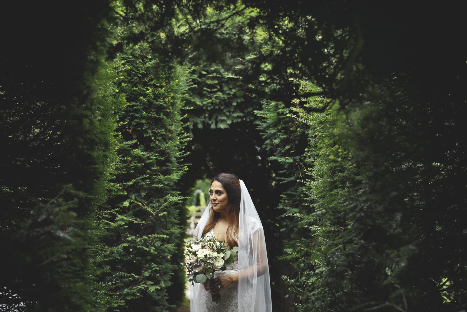 Brettharkness-sudeley-castle-wedding-photographer_0028.jpg