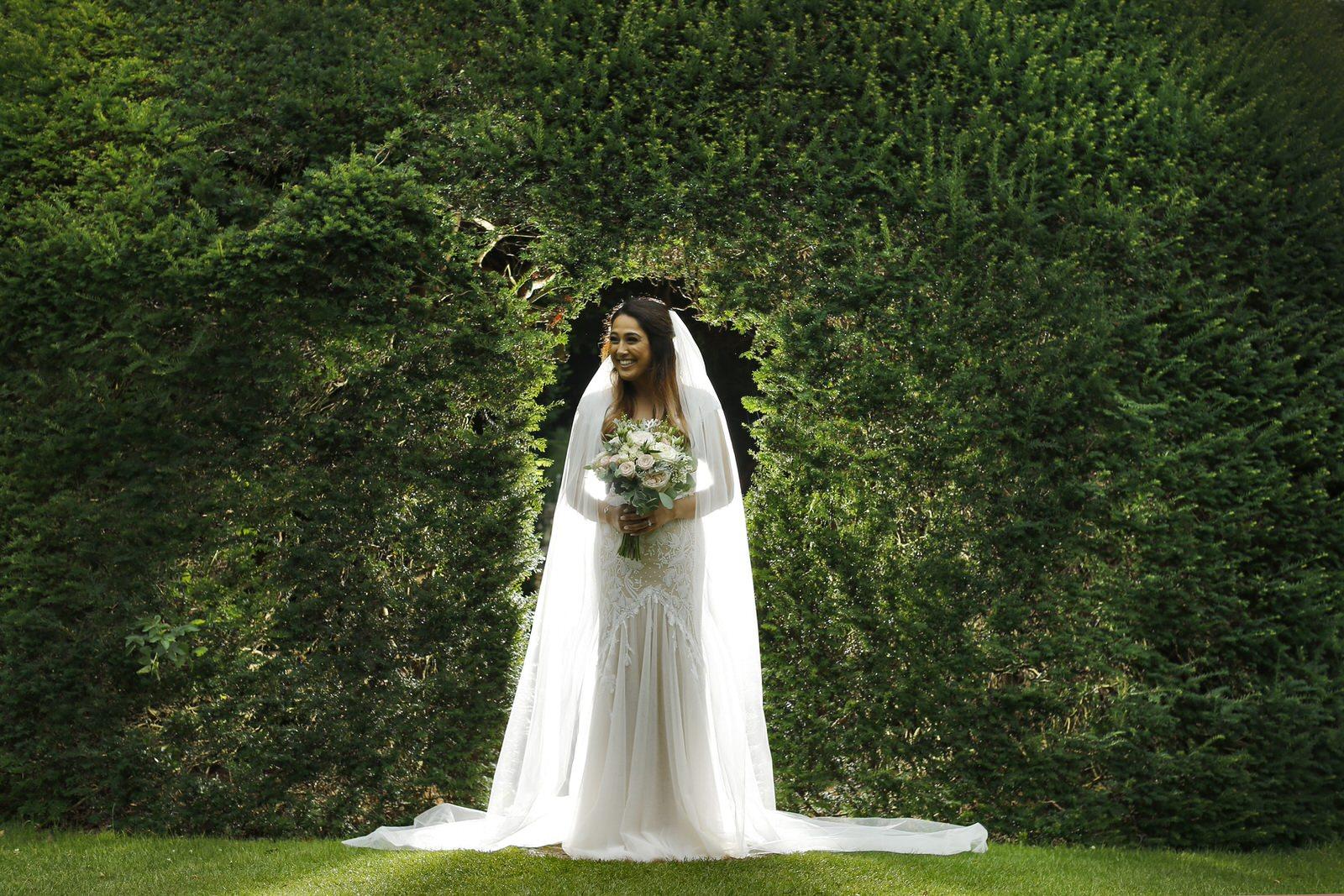 Brettharkness-sudeley-castle-wedding-photographer_0030.jpg