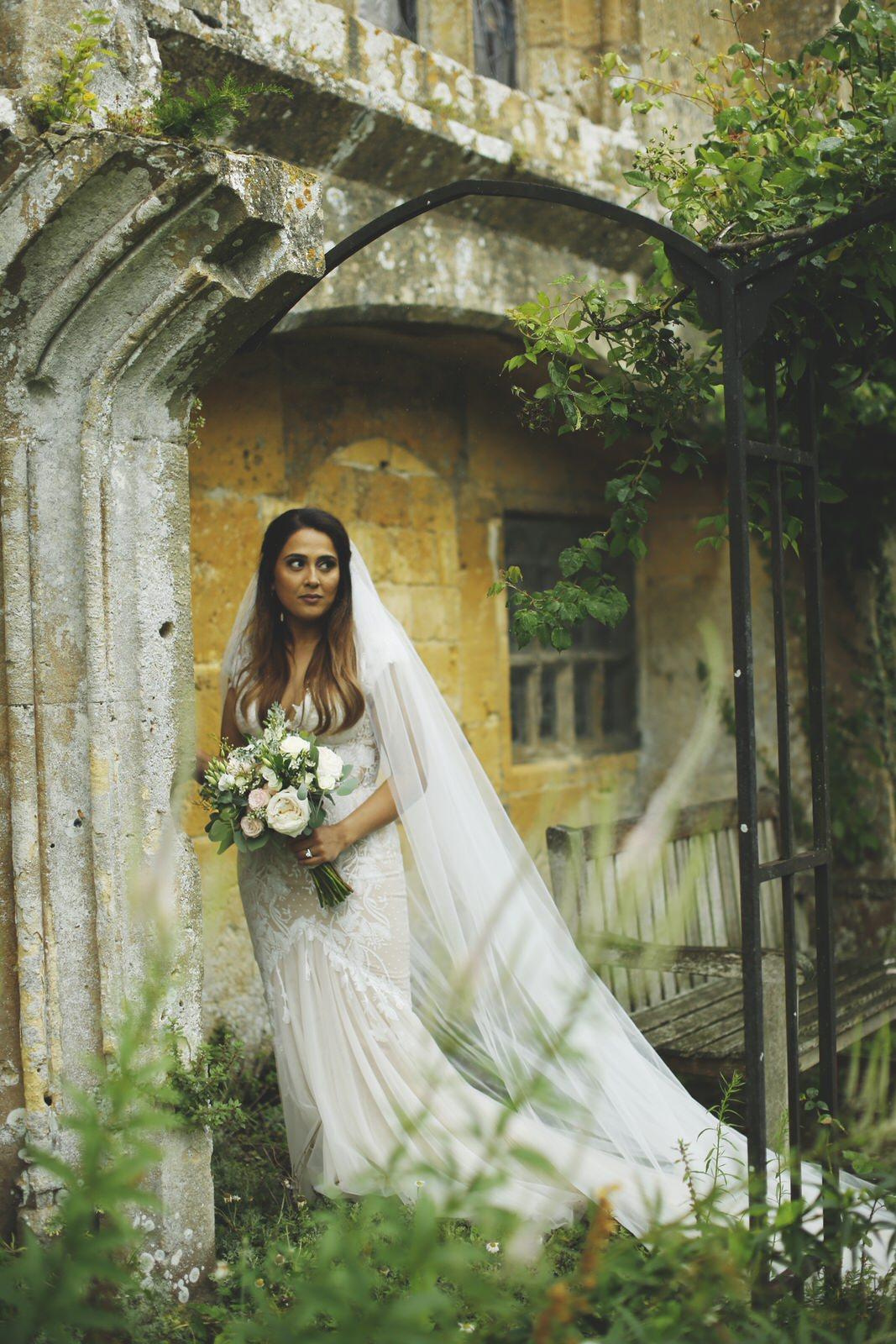 Brettharkness-sudeley-castle-wedding-photographer_0031.jpg