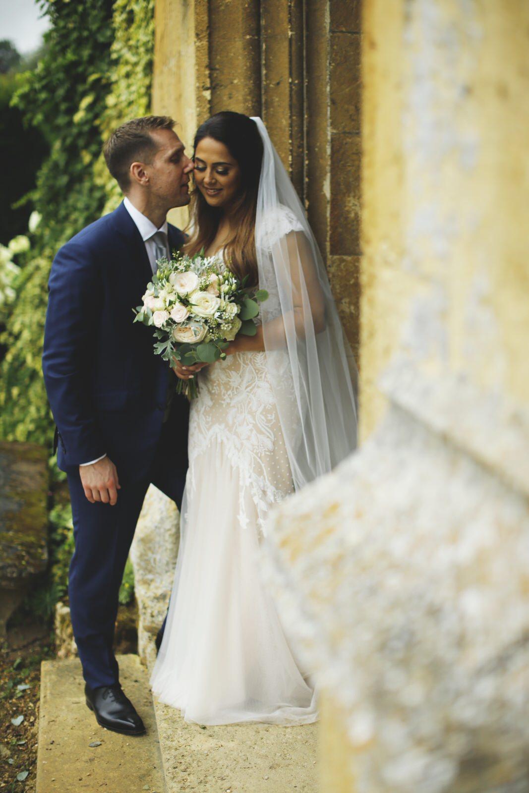 Brettharkness-sudeley-castle-wedding-photographer_0032.jpg