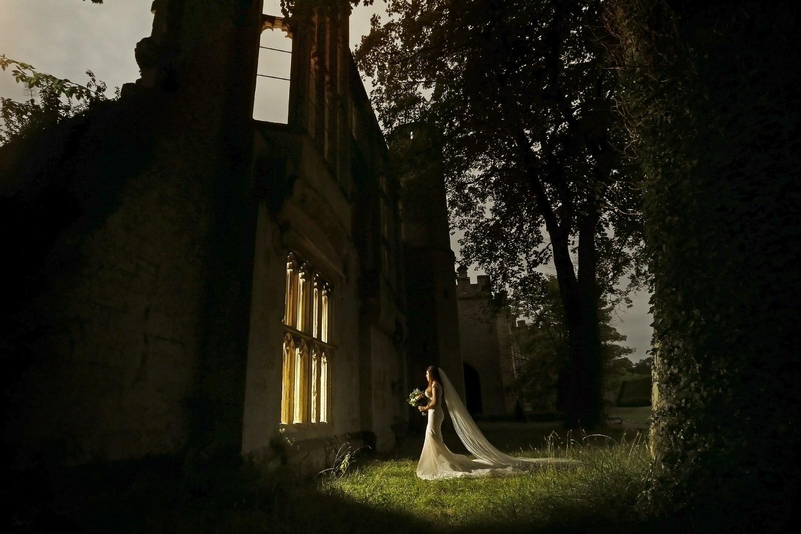 Brettharkness-sudeley-castle-wedding-photographer_0043.jpg