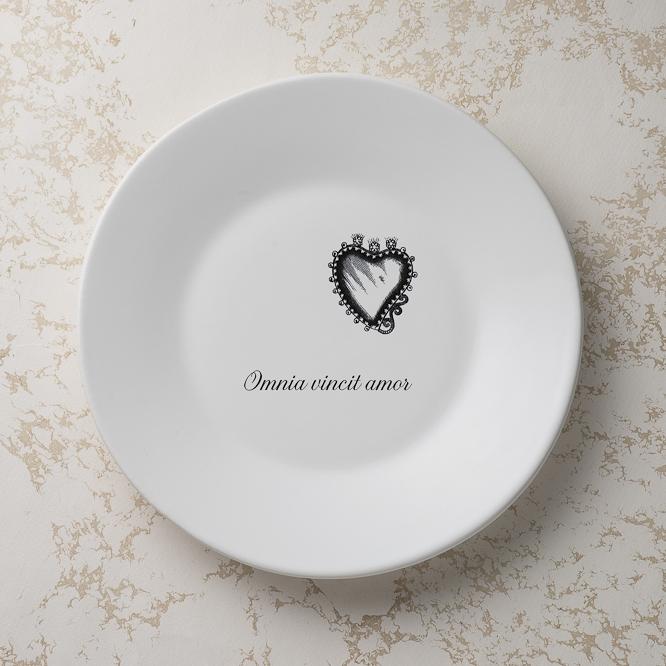 PU_ipsedixit_plate_amor.jpg