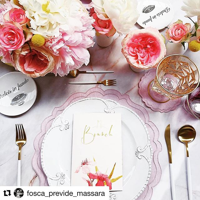 "Love this #miseenplace ! grazie a @fosca_previde_massara e al team di @ab_illussodellasemplicita . #breadplates #piattounicodesign #ipsedixitline #dulcisinfundo #piattinipane #tablesetting #artedellatavola #artdelatable  #Repost @fosca_previde_massara with @get_repost ・・・ #Repost @ab_illussodellasemplicita ・・・ Tra bebè in arrivo, matrimoni imminenti e viaggi programmati, alcune amiche di vecchia data hanno deciso di ritrovarsi, dando spazio alle nuove tendenze! Un brunch tutto al femminile, sui toni del rosa e pieno di dettagli preziosi... curiosi di saperne di più sul nostro evento? 😎 Oggi in edicola il 9º volume di ""PORTAMI IN CUCINA CON TE"" 🌺 Some friends from the way back decided to cross again, between babies on the way, upcoming weddings and planned trips, giving space to new tendences! An all-female brunch, based on pink tones and full of amazing details… are you curious to know something more about our event? 😎 Today in all newsstands with the 9th volume of PORTAMI IN CUCINA CONT TE 🌺 #cheffizzati #abnormalcompany @corriere @gazzettadellosport . . •Planning & Styling @fosca_previde_massara •Assistant Planner: @giuliatestaj •Stationary & Calligraphy: @letterink •Luxury Textiles: @lagallinamatta •Charger & Flatware: @tablesetrentals •Bread Plate: @piattounico •Glassware: @vetrerie.empoli  #eventplanner #eventstylist #tabledesign #tabledecor #abnormalcompany #pink #brunchtime #brunching #lovemilano #milanoeventi #milanoeventsofficial #portamiincucinaconte"