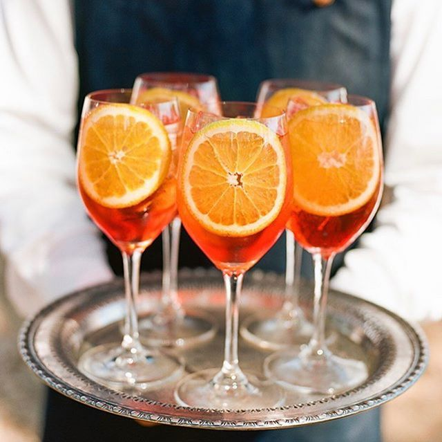 Happy Sunday brunchday! (Raise your hand if you're on team #aperolspritz 🙋🏼♀️) . Photo @paulaleduc