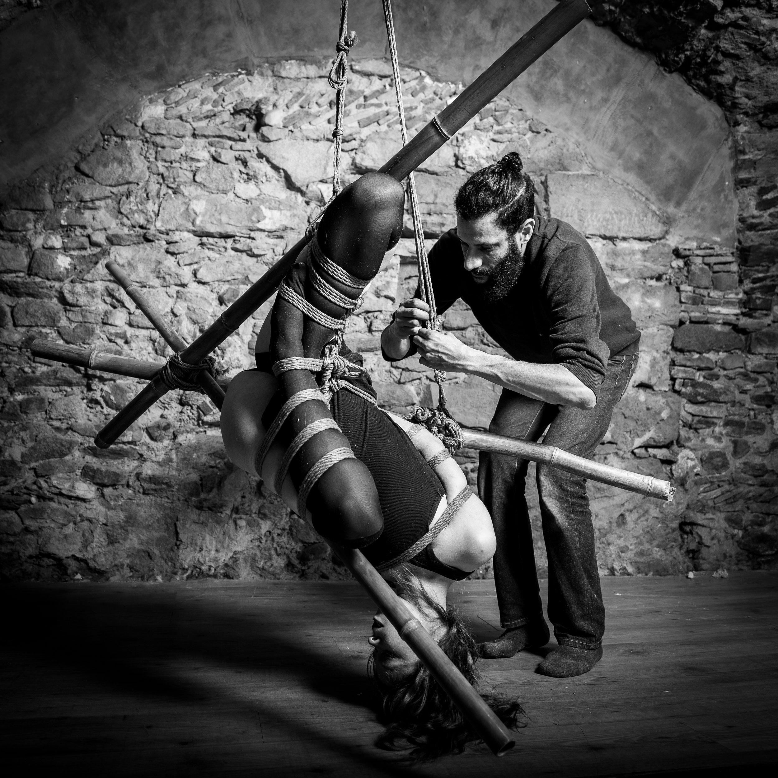 Justin Rvt - Lyon, FranceWorkshops // TuitionPerformance // Artistic Workemail // fetlife // insta // facebookropework: Justin Rvtphoto: Pyrrhus Roi D'Épiremodelling: Gwen Sh