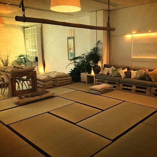 Knotty Lounge - Eindhoven, NetherlandsOwner: Musu Kin