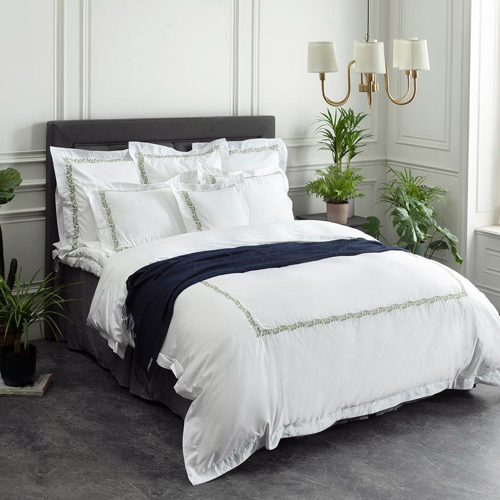 Crown Goose offers a outstanding selection of goose down comforters and pillows along with finely crafted sheet sets and accessories.