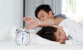 man-woman-alarm-clock-350.jpg