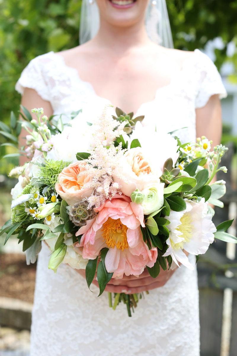 north_carolina_wedding_florals_romantic_durham.jpg