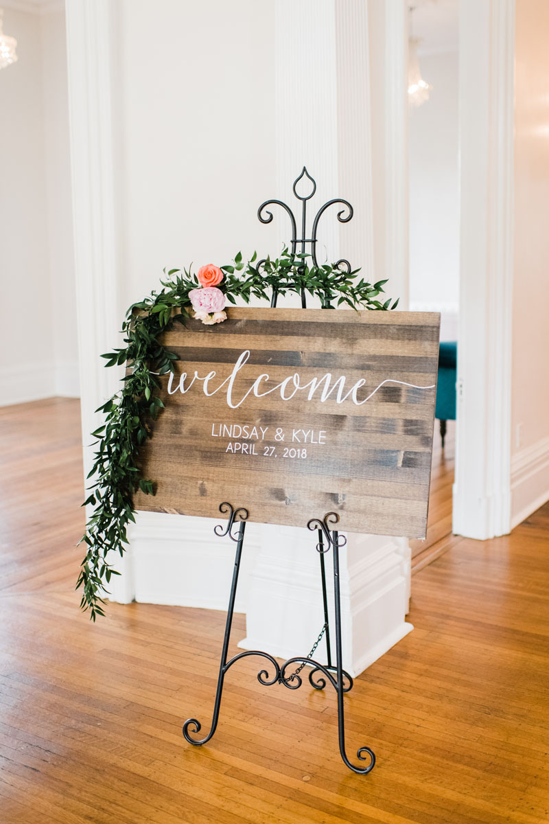 southern_wedding_floral_design_romantic.jpg