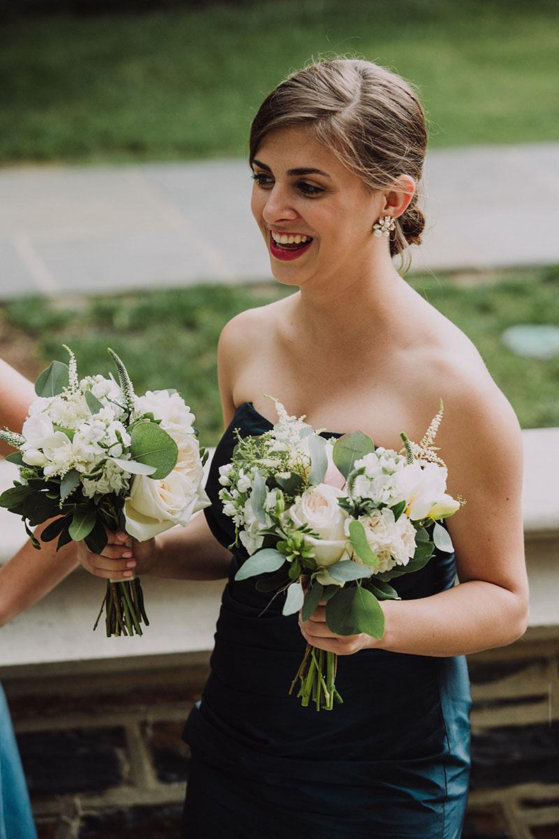 simple_organic_floral_design_wedding.jpg