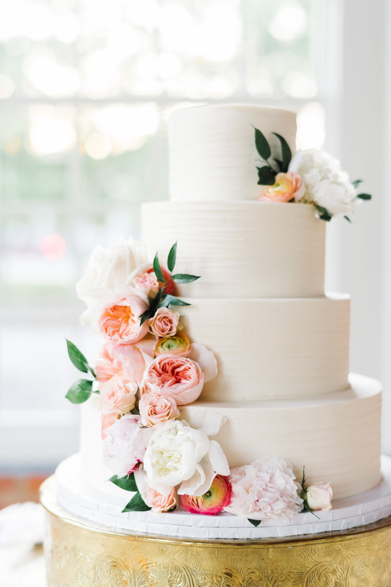 north_carolina_industrial_glamour_wedding_florist_traditional.jpg