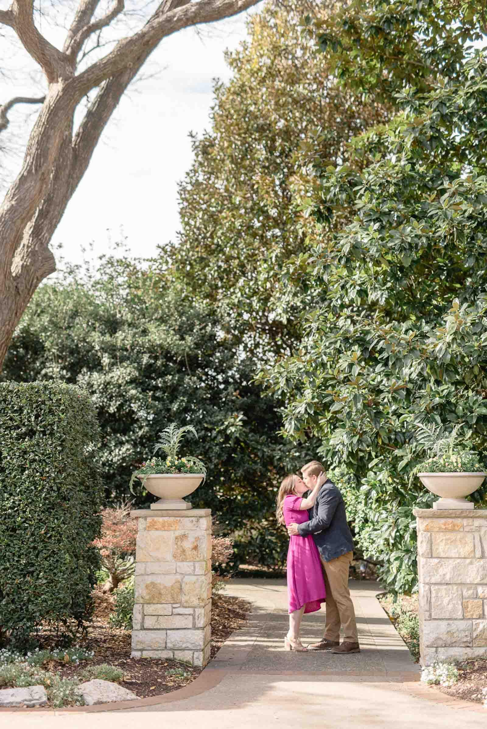 Dallas Arboretum Engagement-JenSymes-14.jpg