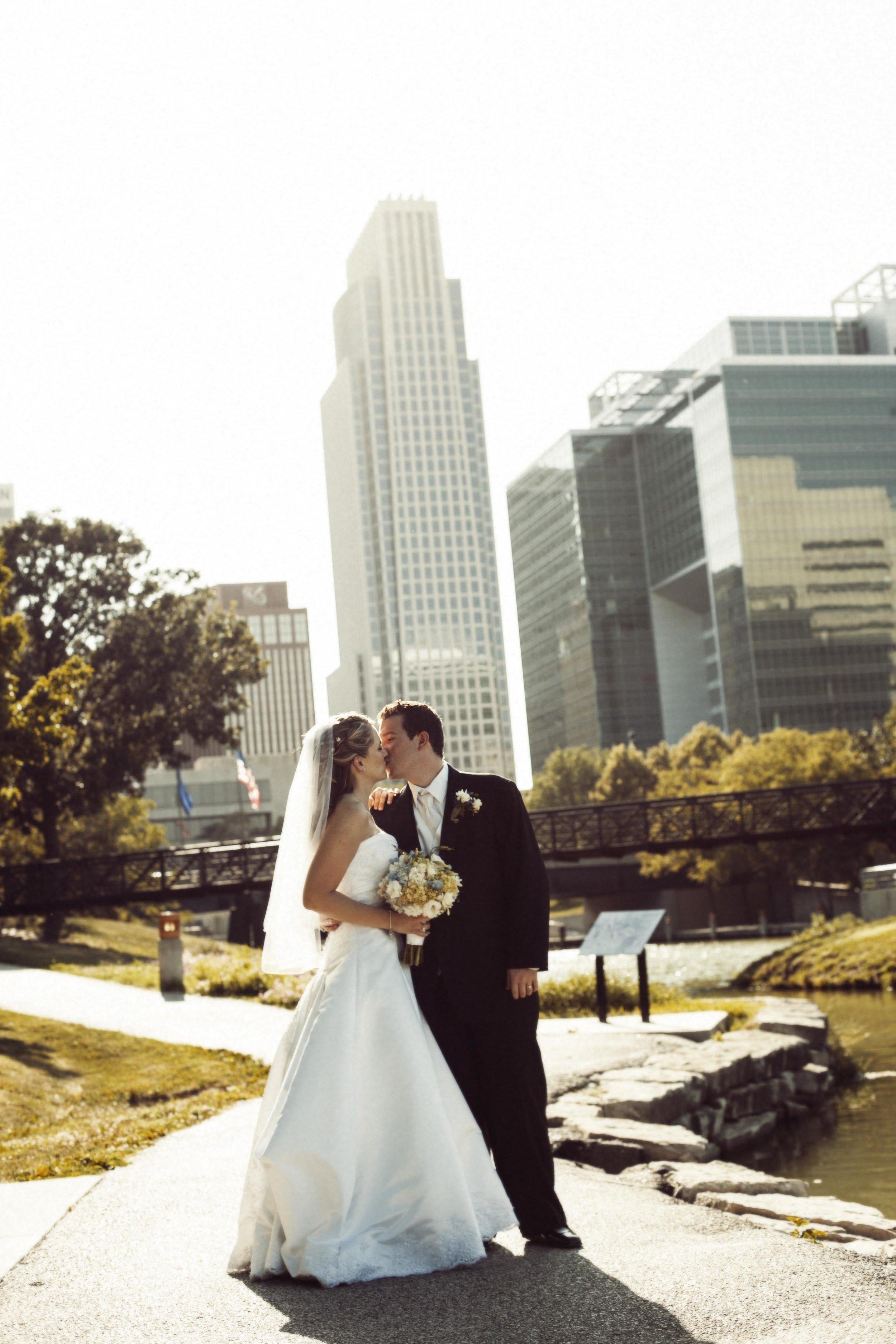 Katie + Joe - downtown omaha wedding photos
