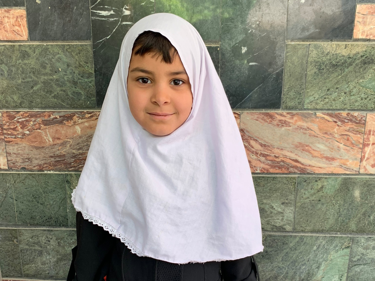 Hadiya, Age 7 - Hadiya has 4 siblings. Her mother is currently unemployed. Her father is a day laborer.BE HADIYA'S PARTNER >