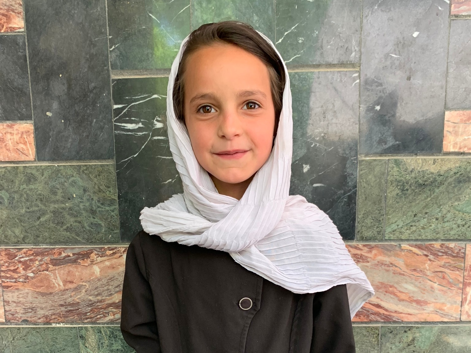 Bahara, Age 7 - Bahara has 4 siblings. Her mother does not have work at this time. Her father is a mason.BE BAHARA'S PARTNER>