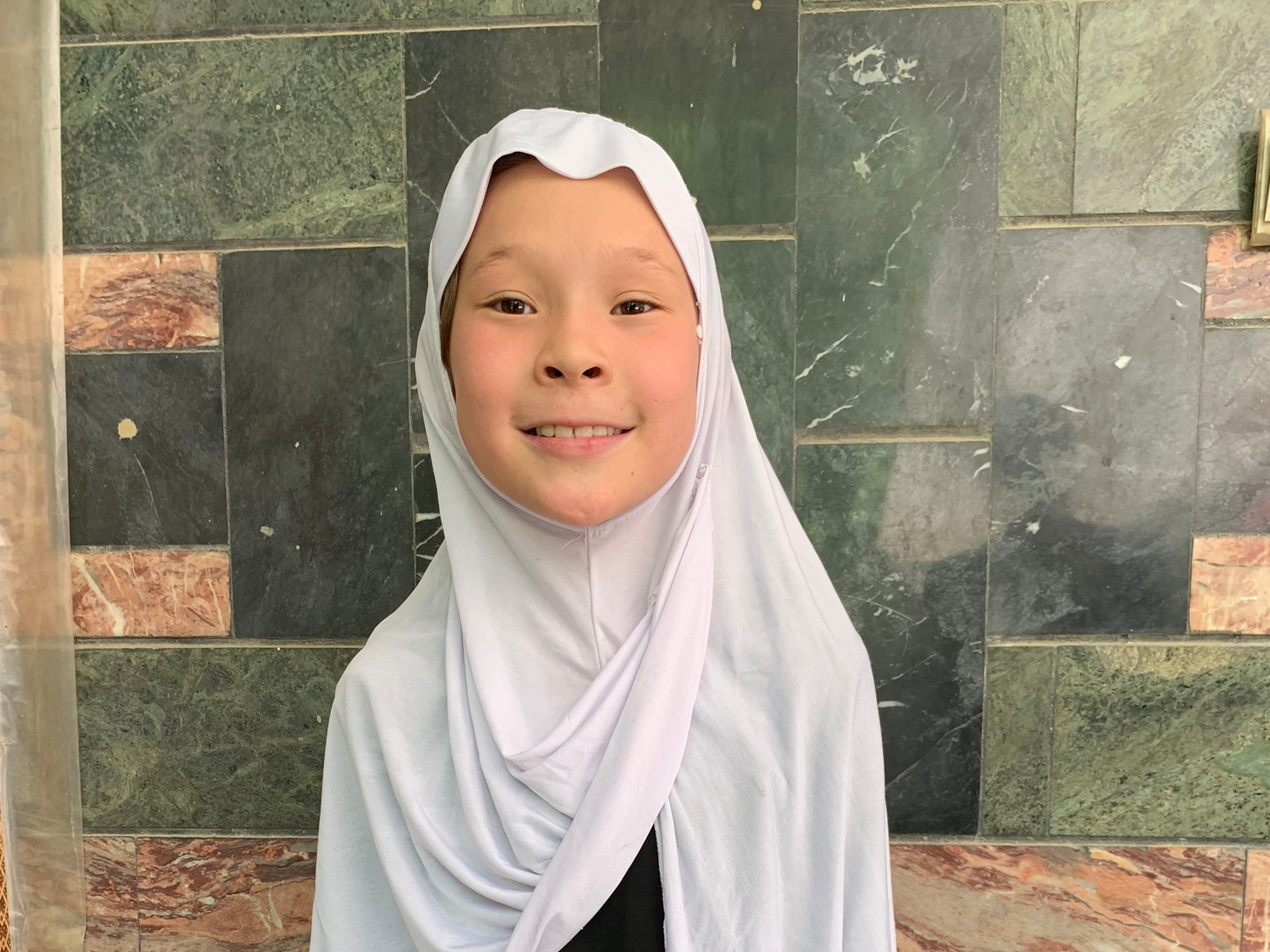 Farzana, Age 9 - Farzana has 5 siblings. Her mother is unemployed and her father sells vegetables.BE FARZANA'S PARTNER>