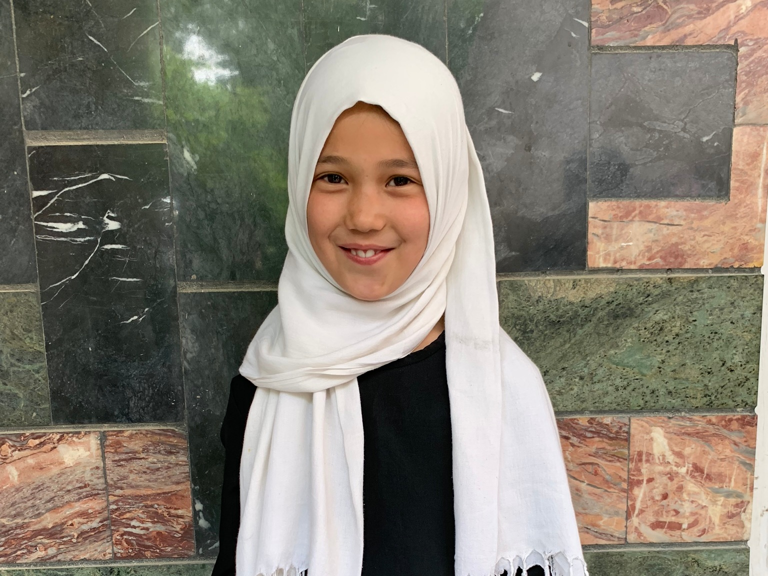 Faista, Age 10 - Faista has 3 siblings. Her mother is unemployed and her father is a driver.BE FAISTA'S PARTNER>