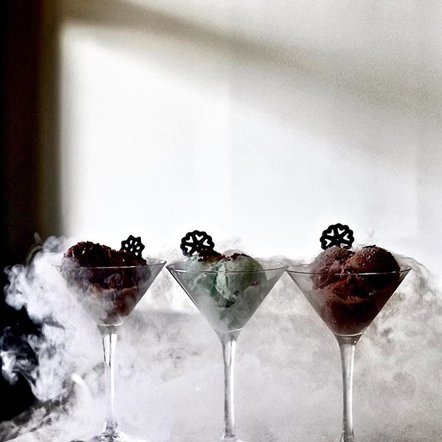 #Repost @bitesofvancouver ・・・ DARK MATTERS 🖤 alcohol-infused liquid nitrogen ice cream @77kfreeze 🌬🥂 Flavours: Kiss Champagne, Captain Jack and Evil Orange! Perfect dessert for those who enjoy liqueur flavours. Thanks for having me, @77kfreeze and @pork_ninjas ❤️ . . . . #bitesofvancouver #vancouver #vancouverfoodie #zagat #tryitordiet #thatfoodcray #hypefeast #eatfamous #beautifulcuisines #foodbeast #dishedvan #foodoftheday #eater #curiocityvan #hungrycommunities #eeeeeats #foodforfoodies #appetitejournal #forkyeah #foodshare #getinmybelly #foodheaven #liqueur #nitrogenicecream