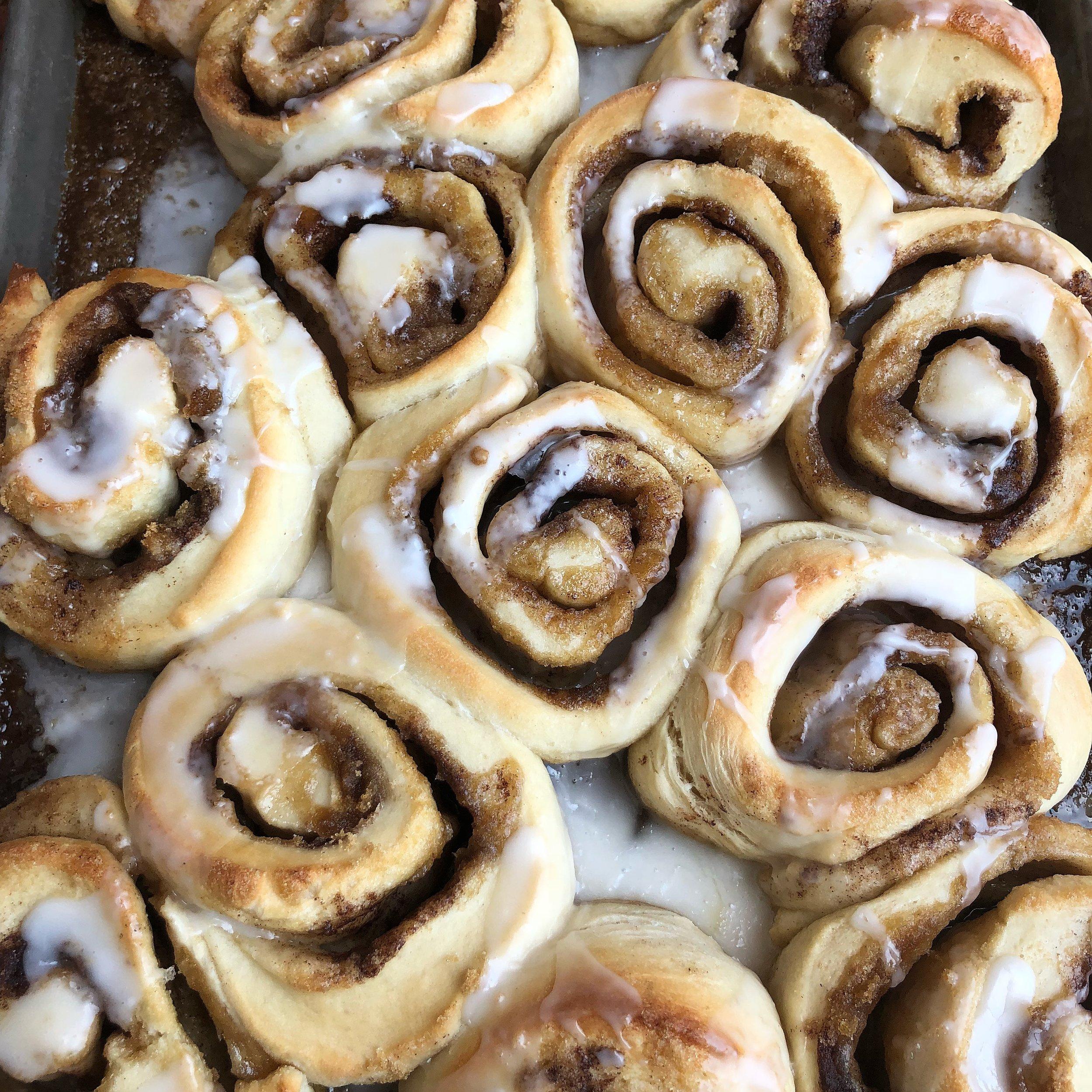 cinnamon rolls.JPG