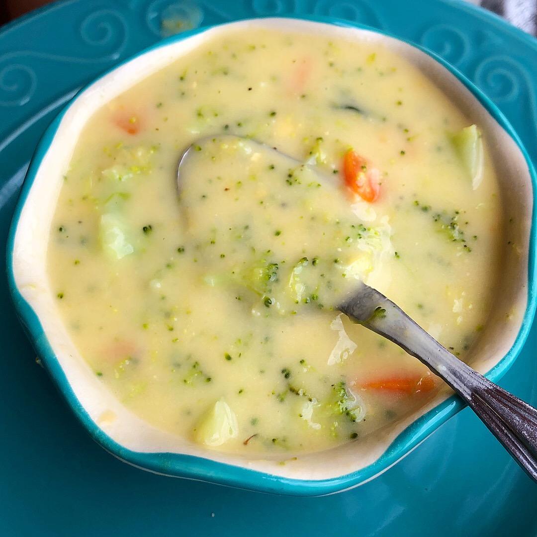 broccoli cheese soup 3.JPG