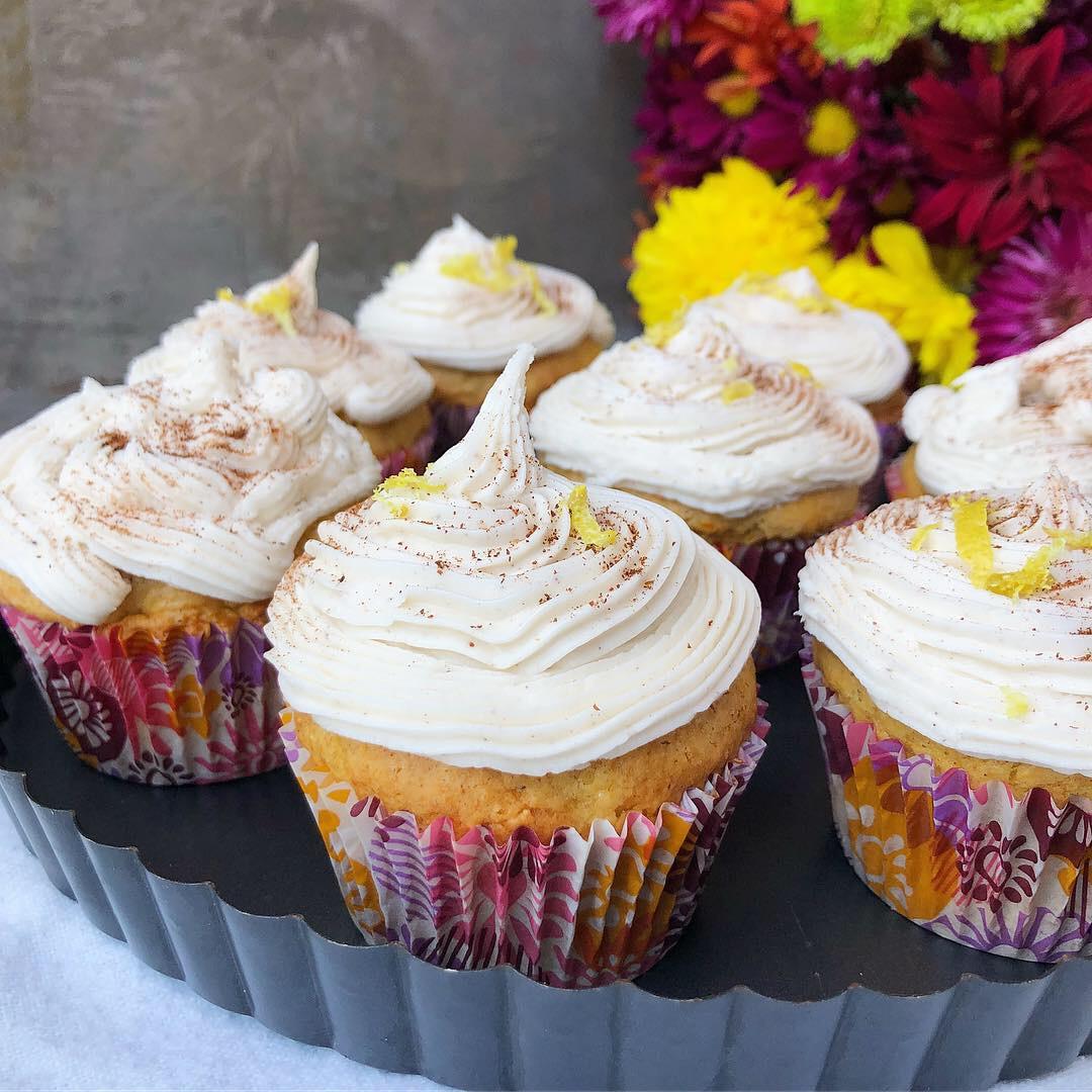 pumpkin cupcake 3.JPG