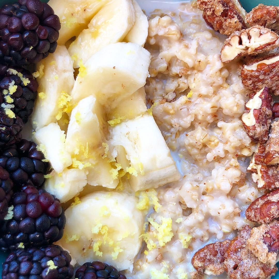 blackberry lemon steel cut oatmeal 1.JPG