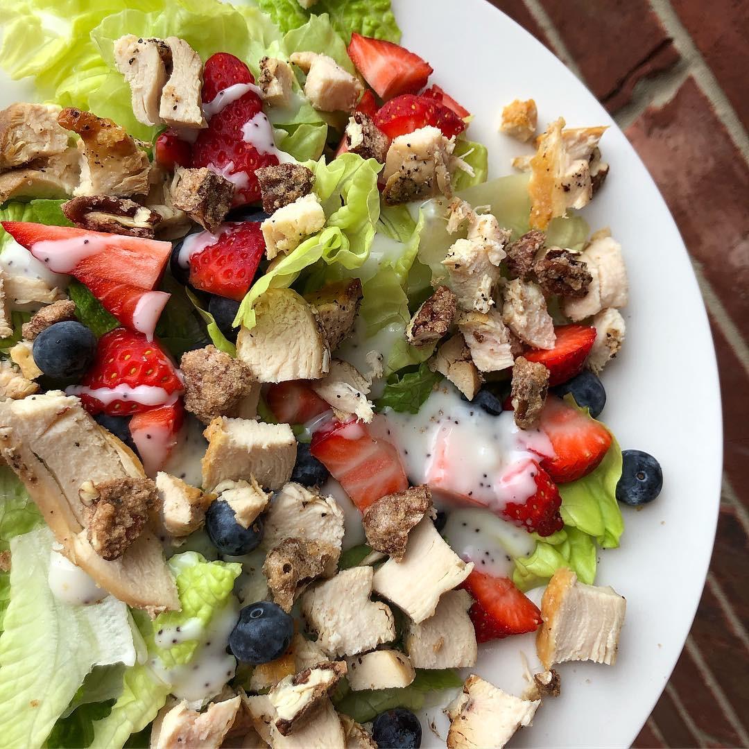 berry pecan salad.JPG