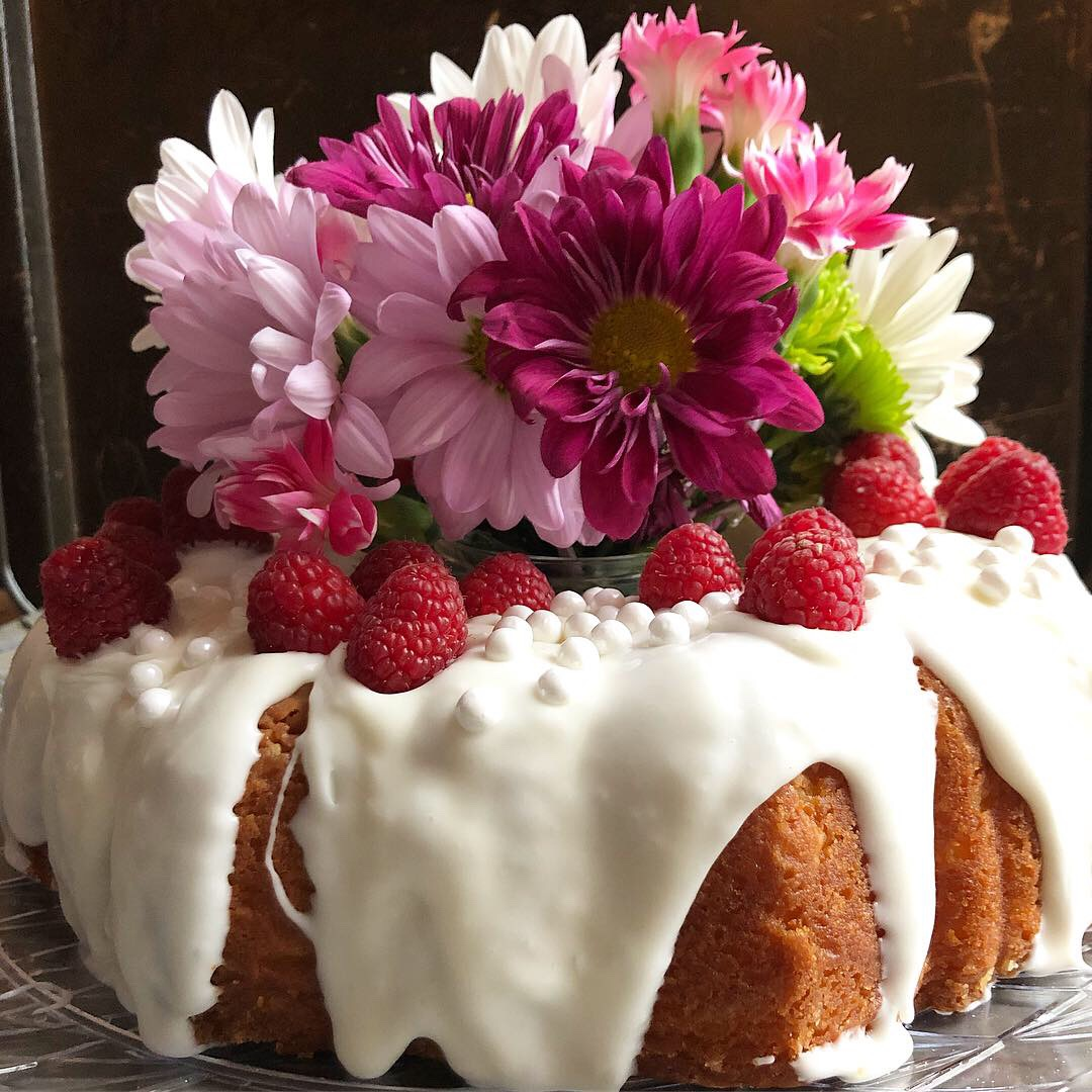 raspberry lemon bundt cake 1.JPG
