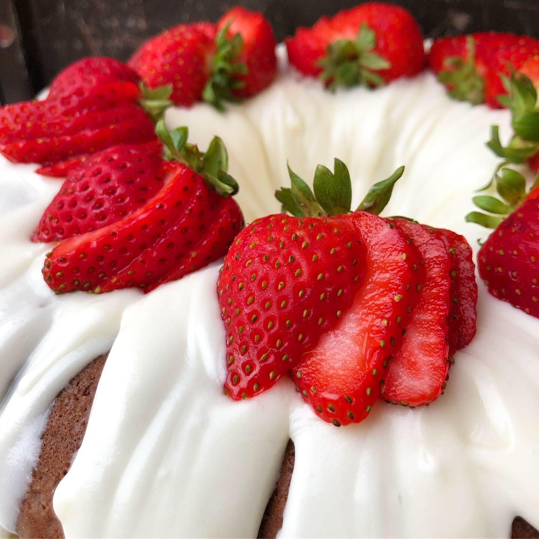 strawberry shortcake bundt 4.JPG