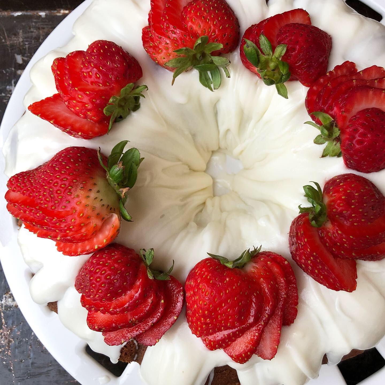 strawberry shortcake bundt 7.JPG